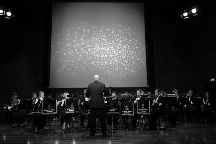 """Årets prisutdeling ble avsluttet med at Marinemusikken under sin dirigent Leif Arne Pedersen spilte utdrag fra Wagners """"Lohngrin""""."""